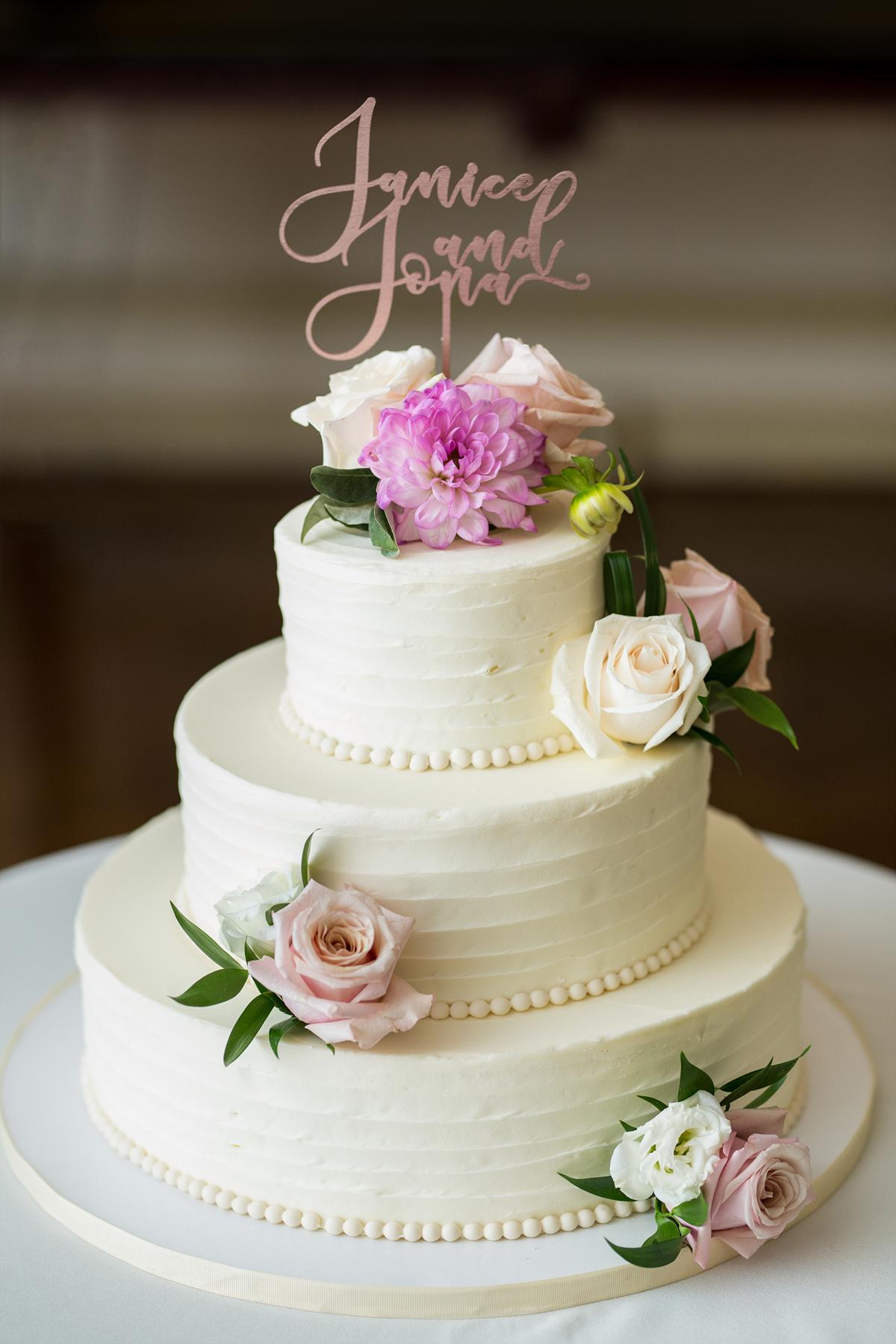 butterfly bakeshop wedding cake