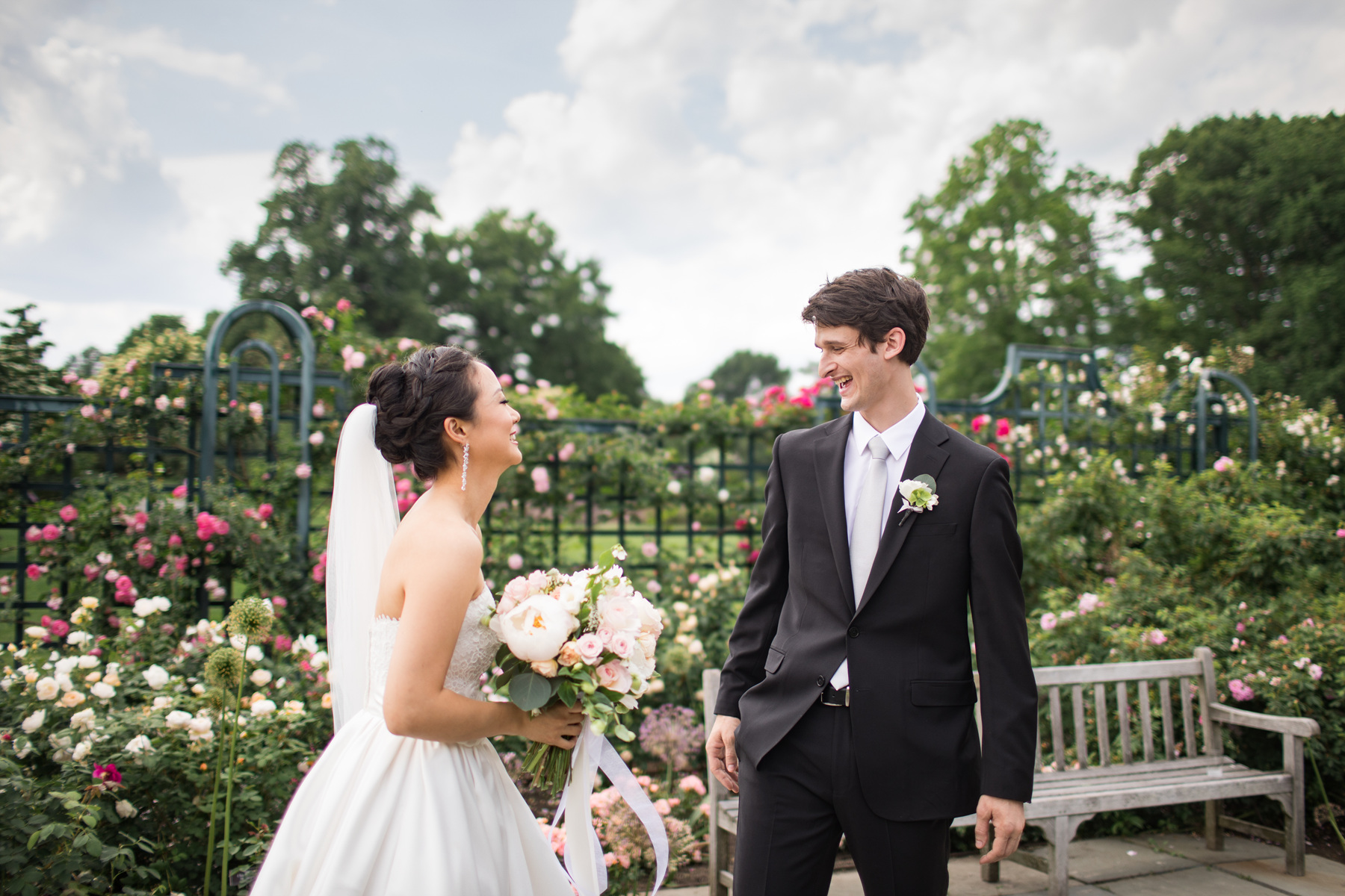 first look at new york botanical garden wedding